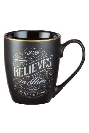 """Cană ceramică -- John 3:16 """"Whoever believes..."""""""