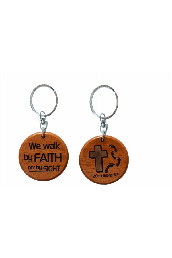Breloc din lemn - We walk by faith not by sight - GK05-23